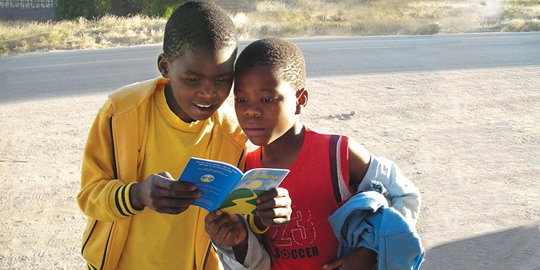 Kids reading the way to happyness